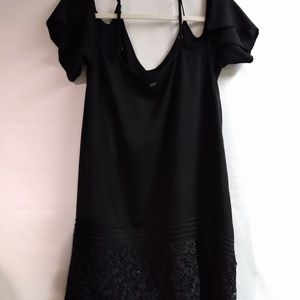 O'Neill cold shoulder black top tunic size xs